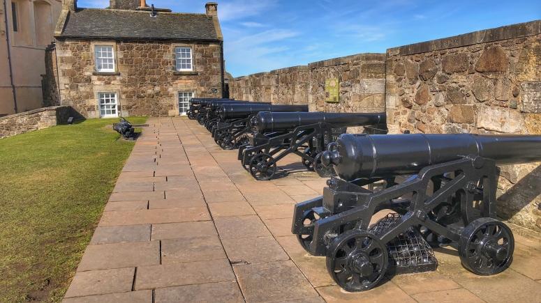 Die Kanonen sind ein stiller Zeitzeuge der bewegten militärischen Vergangenheit der Burg